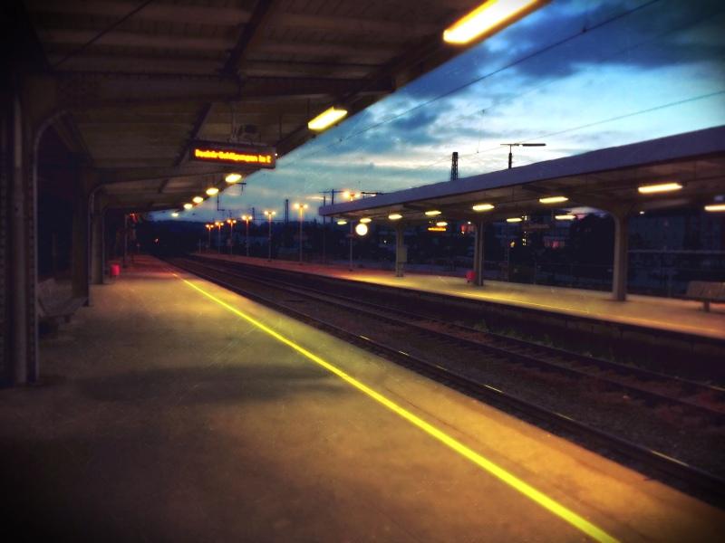 Der leere Bahnhof
