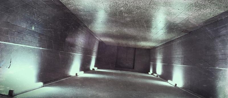 die Unterführung als kleiner Tunnel am Bahnhof