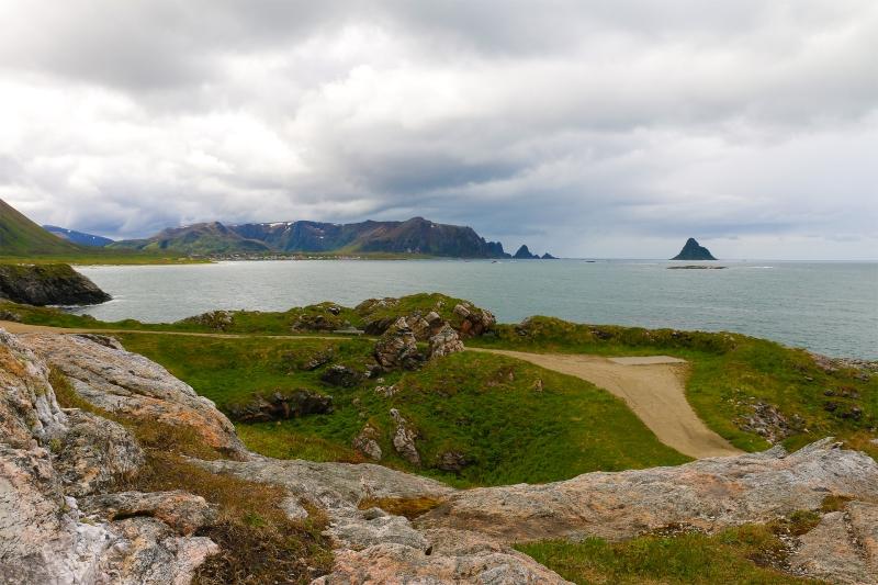 landscape_norway_ocean_mountains_lofoten