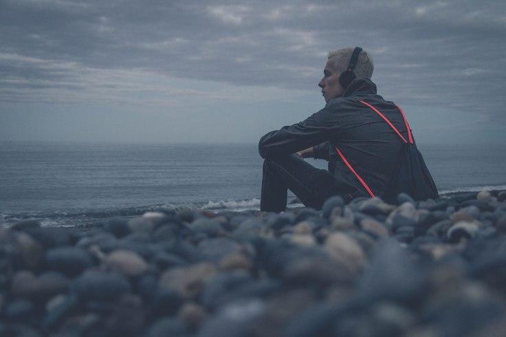 Boy_ocean_melancholy