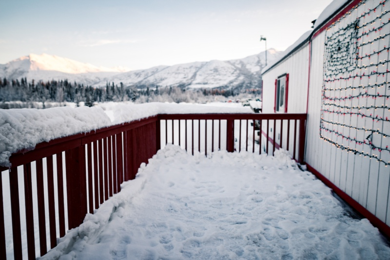 Ein Urlaub im Coldfoot Truckstop Hotel in Alaska im Winter